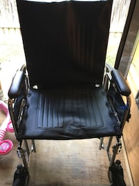 black leather padded rolling armchair Beltsville, 20705