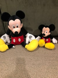 Mickey and minnie mouse plush toys Dollard-des-Ormeaux, H9A 2B3