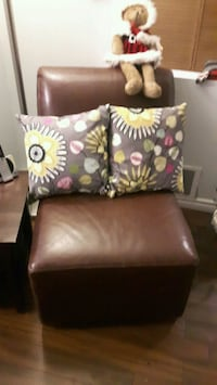 New Stunning multi-colored floral accent pillows.