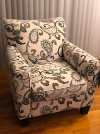 White and black floral padded sofa chair 波托马克, 20854