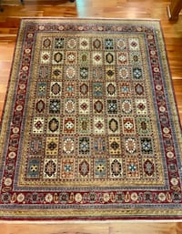 Fantastic Hand-Knotted Area Rug