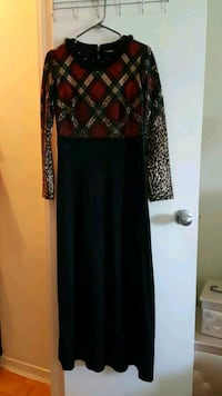 Size S-M black and red long sleeve dress Vaughan, L4H 2L3
