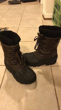High-quality winter boots size 3 kids Alexandria, 22315