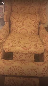 Brown and white floral fabric recliner chair Memphis, 38111