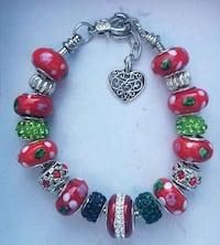Green and red charm bead bracelet