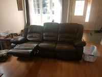 Brown leather electric recliner Innisfil, L9S 1Z8
