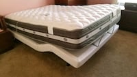 white and gray bed mattress Chantilly, 20152