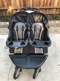 baby's black and gray twin stroller Salinas, 93905