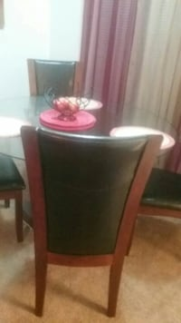 dining table and 4 chairs 774 mi