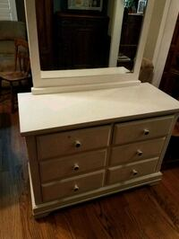 Little Girls chest of drawers with mirror Modesto