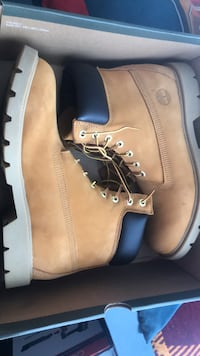 pair of brown Timberland work boots in box Ashburn, 20147