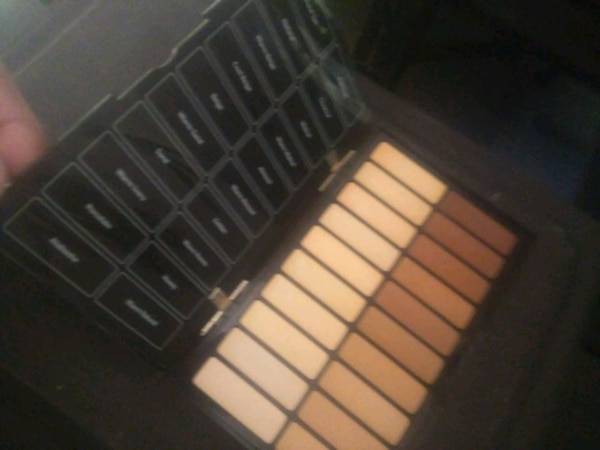 Used Bobbi Brown Countor Conselir Paleti For Sale In Purtelas