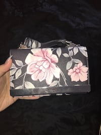 black and white floral wristlet Kitchener, N2R