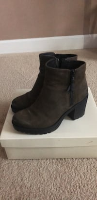 Boots from urban outfitters  Crofton, 21114