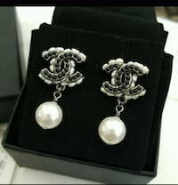 CHANEL MAY RUTH/black/ white pearl earrings Milano, 20122