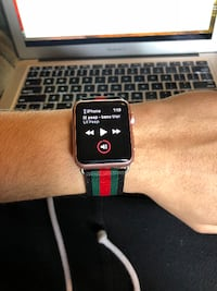 APPLE WATCH WITH GUCCI BANDS