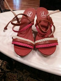 pair of red open-toe sandals Temple Hills, 20748