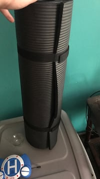 Yoga mat is in  excellent condition  Galloway, 43119