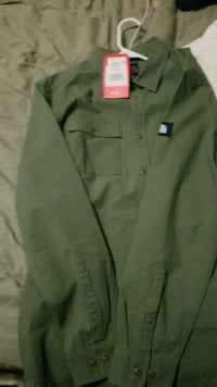 North face Button up Hartford, 06106