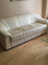 white leather 2-seat sofa Vaughan, L4J 6Z7
