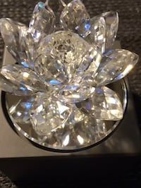 Swarovski crystal candle holder 23 Snapper fasten pieces of crystal sitting on top of a mirrored rotation device Sterling Heights, 48312