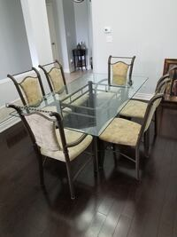 Glass Dining Room Table and Chairs Brampton, L6X 0S1