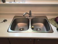 (Like new) Regal Double Sink and Moen Faucet Pickering, L1W 2R2