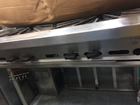 Six burner table tops stove commercial excellent condition. Springfield, 65804