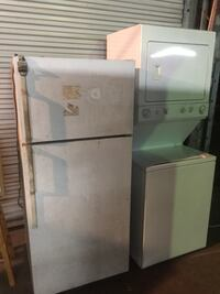 Need a good cleaning, lots of dust on it but everything works and it's a great fridge Lafayette, 70507