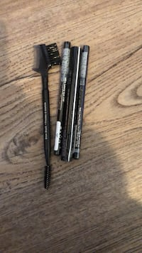 Eye liner and brow gel and brow comb Winter Garden, 34787