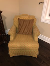 Accent chair for sale  Mississauga, L5L 3K3