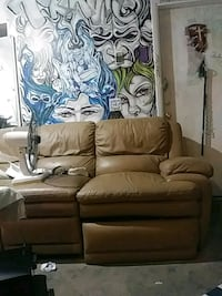 3 seat leather recliner couch Las Vegas, 89115