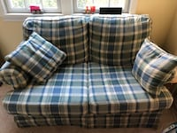 Loveseat  Arlington, 22201