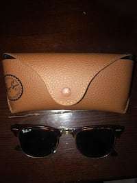 Black ray-ban sunglasses with case Irving, 75038