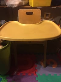 baby's yellow and white high chair Woodbridge, 22193