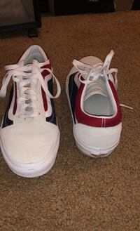 Men's size 10 lightly worn vans