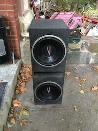 2 audiobahn subwoofer with box New Rochelle