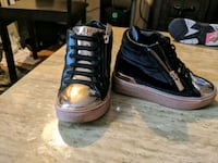 pair of black high-top sneakers Frederick, 21702