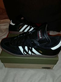 black-and-white Adidas running shoes with box Silver Spring, 20906