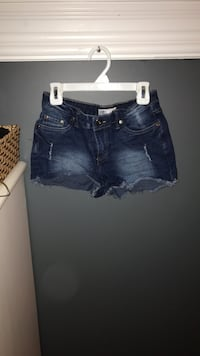 Shorts Sz 0 Georgina, L0E 1R0