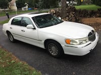 Lincoln - Town Car - 2001 Collegeville, 19426