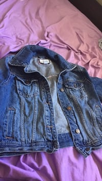 blue denim button-up jacket Coquitlam, V3J