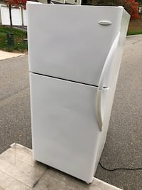 white top-mount refrigerator Lawrence, 01841