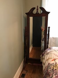 Solid wood framed mirror with stand Toronto, M3A 3J7