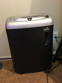 black and silver Fellowers air cooler