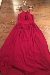 Selling 1 Azazie Kailyn Bridesmaid Dress in burgundy – size small