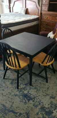 Kitchen table 3 chairs Chester