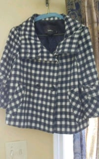 Ladies Small Checkered spring Jacket 3/4 sleeve Dutch Brook, B1L 1E9