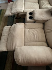 Tan Microfiber Power Reclining Couch and Loveseat Waldorf, 20601