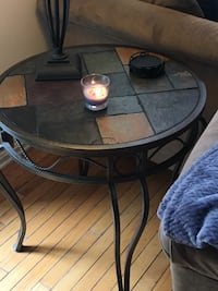 Coffee table and matching end tables in great condition . Ashburn, 20147